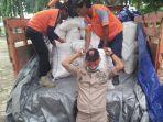 kapolres-lamongan-berita-bantuan-untuk-korban-banjir.jpg