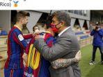 kapten-barcelona-lionel-messi-berpelukan-dengan-presiden-barca-joan-laporta.jpg