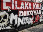 karya-omnibus-law-komunitas-serikat-mural-surabaya.jpg