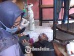 karyawan-yang-sempat-mengalami-sesak-nafas-dalam-insiden-kebakaran-cafe.jpg