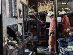 kebakaran-yang-menghanguskan-sebuah-rumah-di-kawasan-perumahan-dosen-its-surabaya.jpg