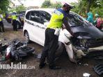 kecelakaan-di-jalan-raya-deket-karangbinangun.jpg