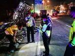 kecelakaan-maut-di-jalan-raya-malang-surabaya.jpg