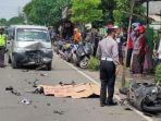 kecelakaan-motor-vs-mobil-terjadi-di-jalan-raya-turut-desa-mandirejo.jpg