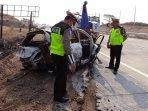 kecelakaan-tunggal-di-km-781-tol-gempol-pasuruan-gempas-mobil-terbakar-di-tol.jpg