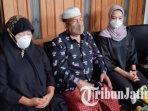 keluarga-fadli-satrianto-korban-jatuhnya-pesawat-sriwijaya-air-sj-182-di-surabaya.jpg