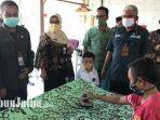 kepala-dinas-sosial-provinsi-jawa-timur-alwi-melakukan-kunjungan-ke-medokan-ayu.jpg