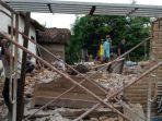 kerusakan-rumah-warga-akibat-gempa-sabtu-1042021.jpg