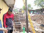 ketua-dprd-kabupaten-nganjuk-tatit-heru-tjahjono-aat-melakukan-sidak-proyek-pedestrian.jpg