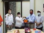 ketua-dpw-pks-jatim-irwan-setiawan-berkunjung-ke-kantor-persatuan-wartawan-indonesia-pwi-jatim.jpg