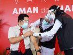 ketua-umum-ikatan-dokter-indonesia-idi-jatim-dr-soetrisno-saat-disuntik.jpg