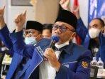 ketua-umum-partai-amanat-nasional-zulkifli-hasan-zulhas-memberikan-sambutan-secara-virtual.jpg