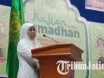 khofifah-di-universitas-muhammadiyah-malang_20180520_145548.jpg