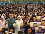 khofifah-indar-parawansa-unair-universitas-airlangga-surabaya_20180811_195457.jpg