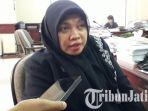 khusnul-khotimah-anggota-komisi-d-dprd-surabaya_20170729_164836.jpg