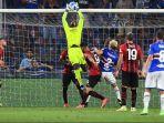 kiper-anyar-ac-milan-mike-maignan-tampil-bersinar-dalam-laga-debut-di-liga-italia-2021-2022.jpg