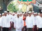 kirab-jamaah-haji-di-kabupaten-tulungagung_20181011_131636.jpg