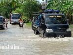 kondisi-banjir-di-lamongan-akibat-luapan-anak-sungai.jpg