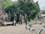 kondisi-jembatan-ambles-dan-jembatan-darurat-di-kecamatan-dawarblandong-kabupaten-mojokerto.jpg