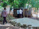 kondisi-rumah-gubuk-reyot-nenek-haniya-60-di-dusun-batu-putih-desa-karangnangka.jpg