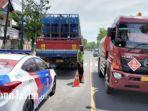 kondisi-truk-pasca-mengalami-kecelakaan-di-jalan-diponegoro-sampang-madura.jpg