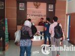 kpk-geledah-kantor-dinas-pekerjaan-umum-sumber-daya-air-kabupaten-malang_20181011_115613.jpg