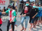 kronologi-asli-perang-2-geng-kampung-di-surabaya-1-remaja-dihajar-10-anggota-video-telanjur-viral.jpg
