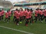 latihan-perdana-timnas-u-19-indonesia-di-stadion-wibawa-mukti.jpg