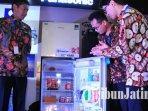lemari-es-seri-baru-dari-panasonic-gobel-indonesia-yang-dikenalkan-di-surabaya.jpg