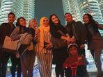 liburan-ke-malaysia-intip-potret-keseruan-ayu-ting-ting-berlibur-bareng-keluarga_20181105_182955.jpg