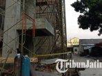 lift-proyek-perluasan-pembangunan-gedung-rsi-unisma-malang-terjatuh.jpg