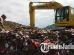 lokasi-gunungan-sampah-di-areal-tpa-klotok-kota-kediri_20170517_144127.jpg