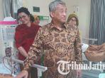 m-nuh-sempatkan-kunjungi-pasien-usai-peresmian-rsi-surabaya-ahmad-yani_20180712_210309.jpg