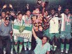 mantan-pemain-persebaya-kenang-momen-saat-bisa-bawa-juara-persebaya-23-tahun-silam-di-liga-indonesia.jpg
