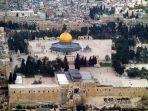 masjid-al-aqsa-yang-menjadi-titik-konflik-antara-israel-dan-palestina-belakangan.jpg