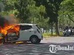 mobil-daihatsu-ayla-terbakar-di-akses-menuju-jembatan-suramadu.jpg