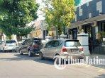 mobil-di-kota-madiun-melanggara-aturan-parkir-ilustrasi-parkir-liar-ilustrasi-parkir.jpg