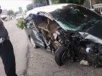 mobil-kecelakaan-di-desa-bangsongan-kecamatan-kayen-kidul-kabupaten-kediri-kecelakaan-di-kediri.jpg