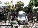 mobil-milik-fadoli-makam-mas-as-salam-desa-winong-kecamatan-kedungwaru-tulungagung.jpg