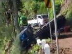 mobil-pickup-di-lumajang-terperosok-ke-jurang-sedalam-100-meter-saat-melintasi-jalan-desa-argosari.jpg