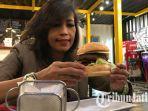 monster-burger-kafe-tengah-kota-surabaya.jpg