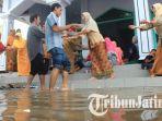 nikah-saat-banjir_20170326_212536.jpg