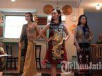 padukan-budaya-tionghoa-indonesia-kombinasikan-motif-khas-cina-dan-kain-tenun-khas-sumba.jpg
