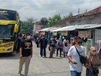 paket-wisata-dari-tulungagung-ke-yogyakarta-ilustrasi-wisata-ilustrasi-bus.jpg