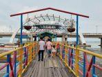 pantai-kenjeran-surabaya-jadi-jujugan-wisatawan-saat-perayaan-tahun-baru.jpg