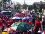 para-pekerja-di-pt-newera-rubberindo-jalan-mayjend-sungkono-kecamatan-kebomas.jpg