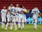 para-pemain-timnas-argentina-berpelukan.jpg