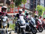 para-riders-dari-surabaya-honda-community-saat-bersiap-ikut-serta-melakukan-kegiatan-csr.jpg
