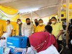 partai-golkar-melaksanakan-vaksinasi-di-kota-surabaya-senin-2792021-dengan.jpg