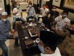 partai-nonparlemen-bertemu-calon-wali-kota-surabaya-eri-cahyadi.jpg